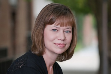 Lisa Kelly | Custom Programming Manager